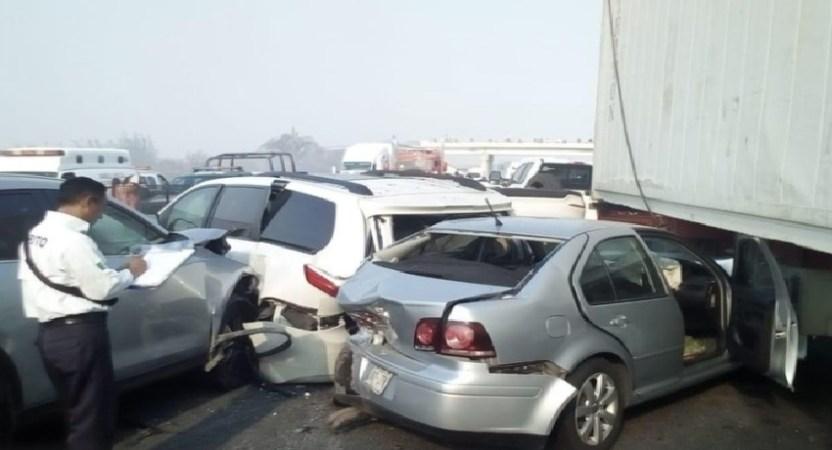 Screenshot 12 - Registran carambola de 15 vehículos en Veracruz; hay 17 heridos
