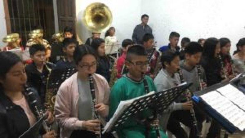 amlo promete apoyo a bandas de musica en huasteca 300x169 - Anuncia AMLO apoyo para bandas musicales en Huasteca Potosina