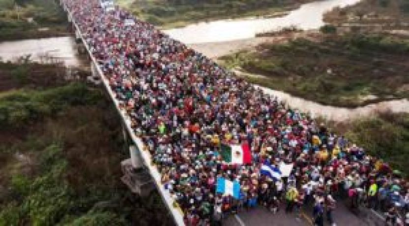 """caravana madre 300x166 - Anuncian que se aproxima la """"caravana madre"""" con 20 mil migrantes"""