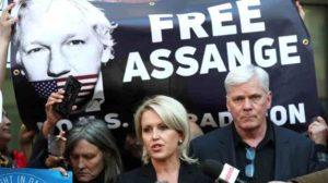 Los abogados de Julian Assange dicen que temen por su vida 300x168 - Abogado teme por la vida de Assange, apelarán extradición