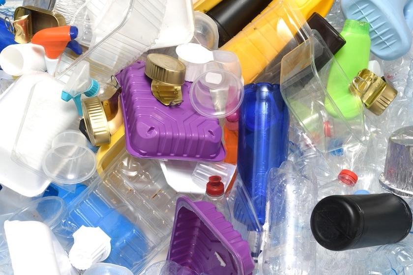 canada desechables - Canadá eliminará uso de bolsas de plástico, popotes y platos, en 2021