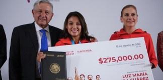 AMLO premio atletas Panamericanos