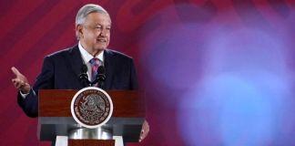 """AMLO lamenta renuncia de Pedro Salmerón,""""extraordinario intelectual"""""""