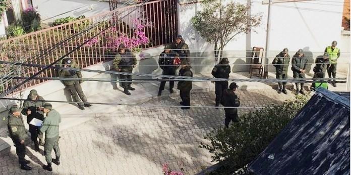 México protesta por asedio a embajada en Bolivia