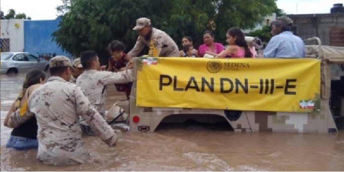 Ejército y Fuerza Aérea protegen a México
