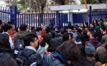Toman la FCPyS de la UNAM en apoyo con P9 y Filosofía