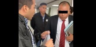 Caso Ayotzinapa detienen a funcionario de AIC