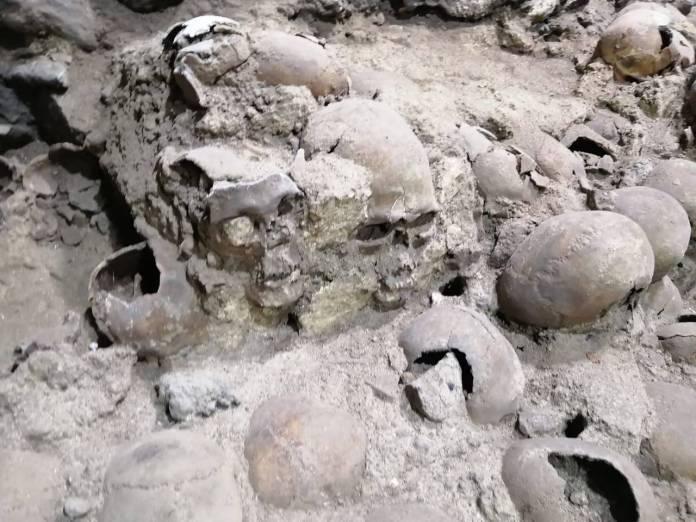 WhatsApp Image 2020 10 31 at 09.41.13 4 - Revelan fotos inéditas del Tzompantli ubicado en el Centro de la CDMX