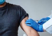 Relacionan fallecimiento de ancianos con vacuna de Pfizer y BioNTech