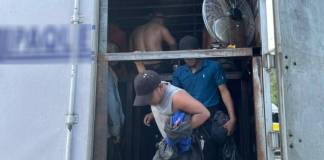 Guardia Nacional rescata a 128 migrantes trasladados en condiciones de hacinamiento en Veracruz