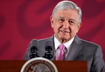 El presidente López Obrador informó que dio positivo a la Covid-19.