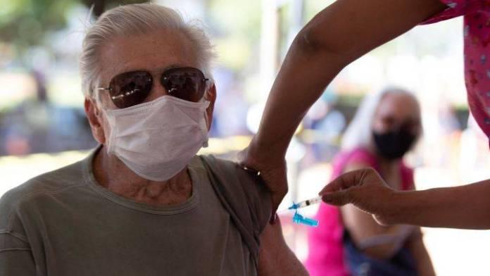 """Denuncian """"huachicoleo"""" de vacunas por parte de directivos de la SSa en Oaxaca"""