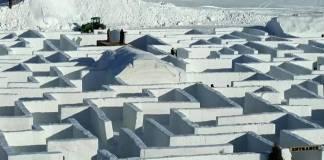 Con más de 5 mil metros cúbicos de nieve crean el laberinto más grande del mundo