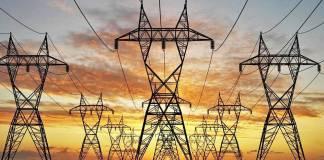 Precio de energía eléctrica no va a bajar con la reforma: AMLO