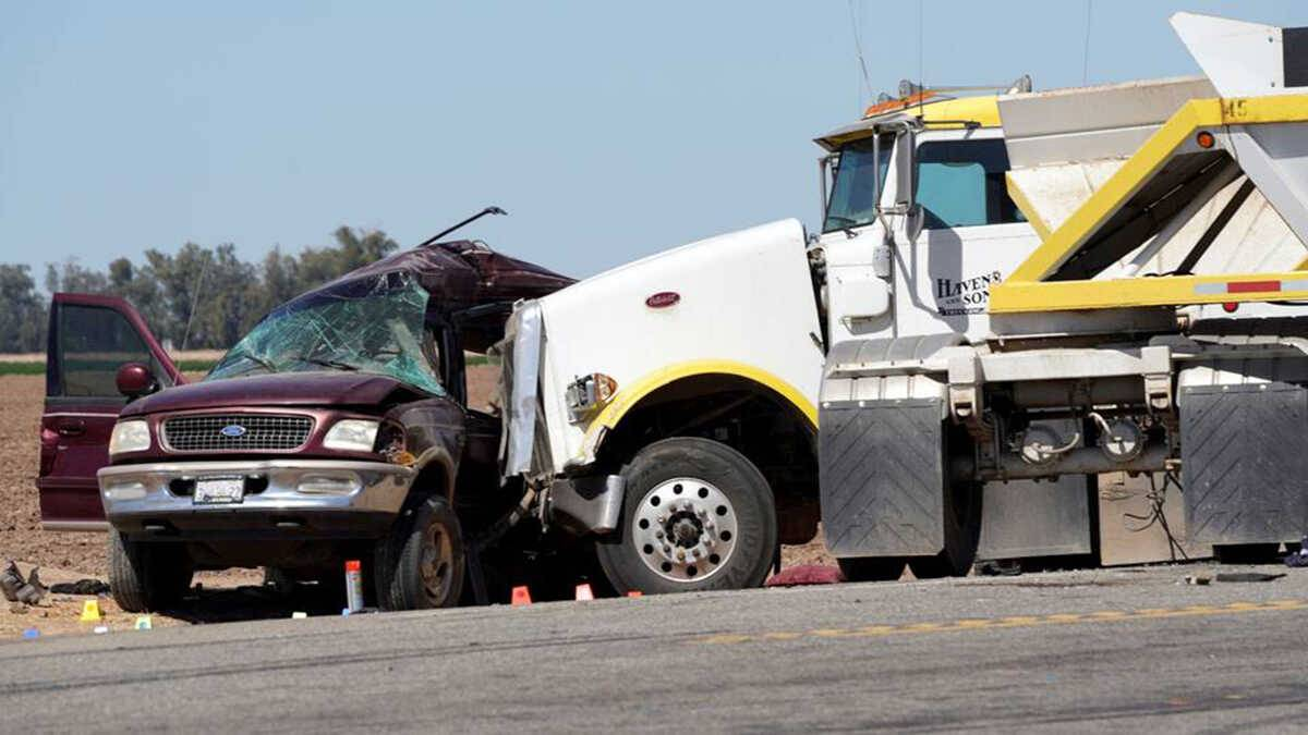 Confirman 15 muertos tras accidente vial en California