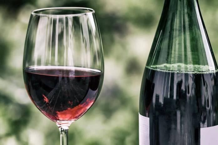 vino tinto - El ácido tánico del vino podría combatir el Covid-19