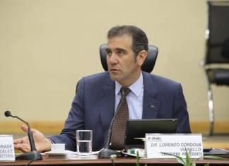 """Lorenzo Córdova no quiere reforma al INE, hasta que haya """"consenso"""""""