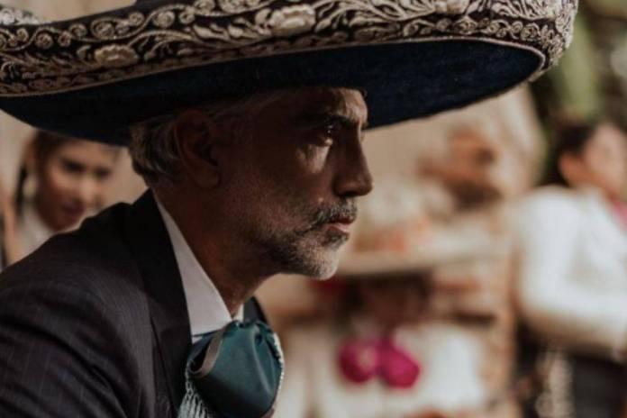 Alejandro Fernández y Anita dan positivo a Covid-19 previo a su presentación en los Latin AMAs