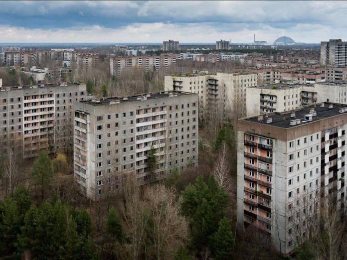 En Ucrania se ofrecen viajes para sobrevolar Chernobyl