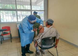Fallece adulto mayor tras recibir vacuna CanSino en Oaxaca
