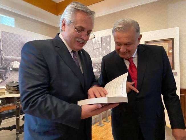 Ánimo compañero, dice AMLO a presidente argentino con Covid