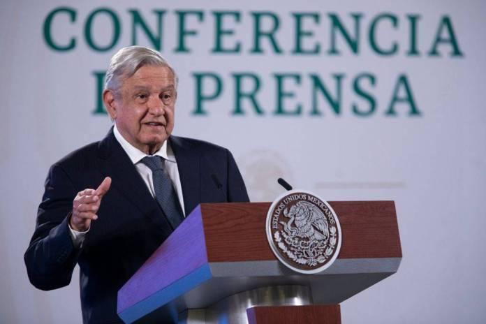 AMLO enviará nota diplomática a EU por financiar a Claudio X. González