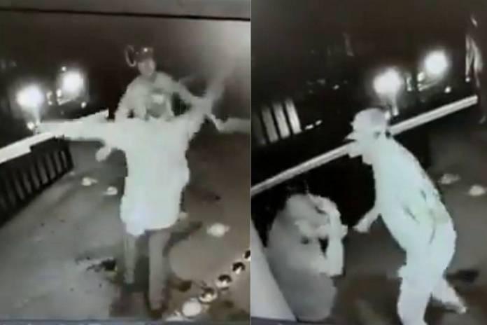 Captan a un hombre golpeando a un adulto mayor en Apodaca, Nuevo León
