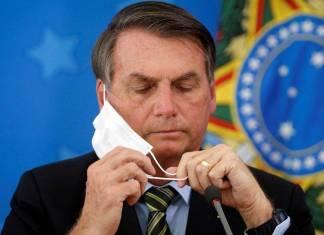"""Bolsonaro dice que China creó la Covid-19 como parte de """"una guerra química"""""""