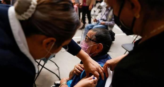 México entre los países con mayor vacunación, ha aplicado más de 15 millones de dosis