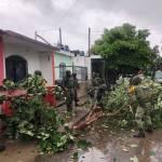 Sigue la tormenta 'Dolores'; Colima, Guerrero y Michoacán, los más afectados