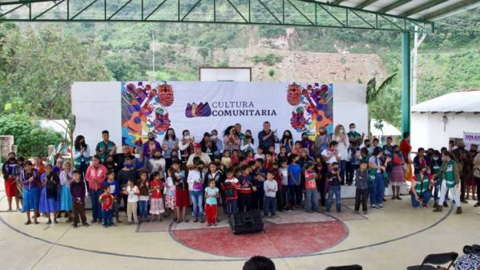 Secretaría de Cultura realiza actividades artísticas en Ayahualtempa