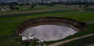 Conagua da a conocer las posibles razones por las que se formó el socavón en Puebla