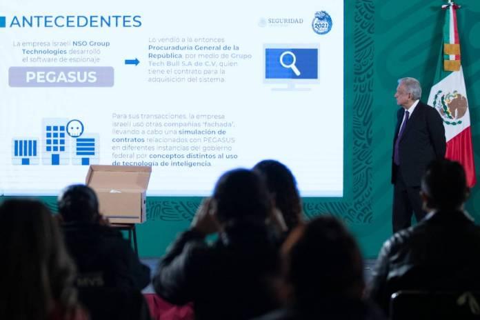 Gobiernos de Peña Nieto y Calderón firmaron 31 contratos con Pegasus
