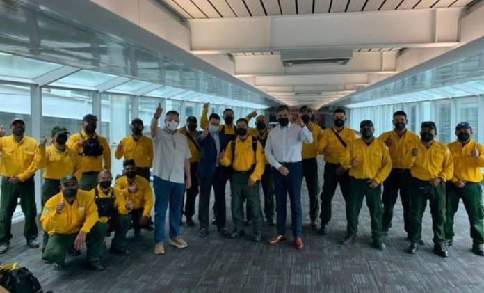 México envía brigada de 101 combatientes, ayudarán a incendios en Canadá