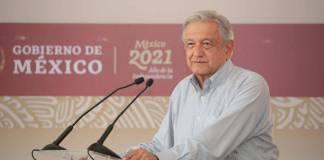 """AMLO asegura éxito de consulta popular porque """"la democracia no puede fracasar"""""""