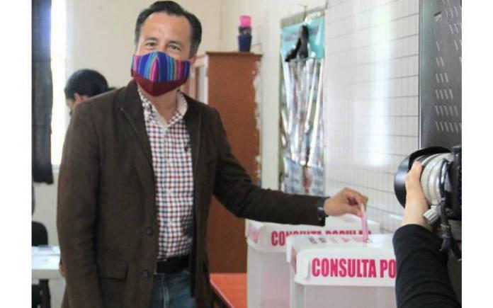Cuitláhuac García señala al INE de no haber estado a la altura de la consulta