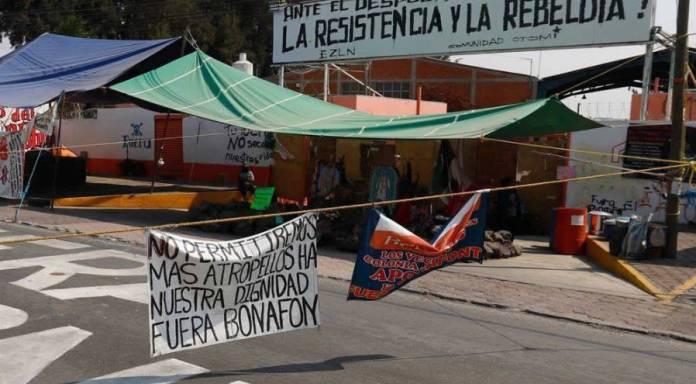 "Indígenas toman planta de Bonafont en Puebla; denuncian ""saqueo de agua"""