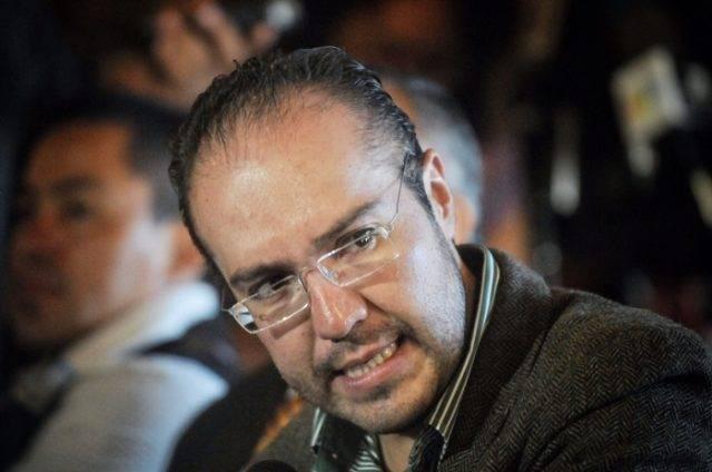 Mauricio Toledo ya voló, está en Chile; la fiscalía exige que enfrente la justicia
