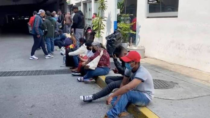 Estafan a 250 mexicanos; pagaron por falsa oferta de trabajo en Canadá