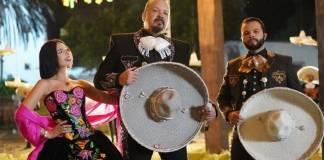 """Pepe Aguilar defiende a su familia tras críticas por ser """"falsos mexicanos"""""""