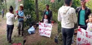 Joven conmueve las redes con tierna y humilde propuesta de matrimonio