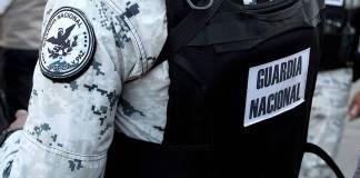 Elemento de la Guardia Nacional pierde la vida en accidente mientras escoltaba vacunas