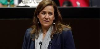 Ni hablar pudo; Zavala es abucheada en la Cámara de diputados