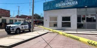 Atacan tres casetas de policías en León, Guanajuato; hay un oficial muerto