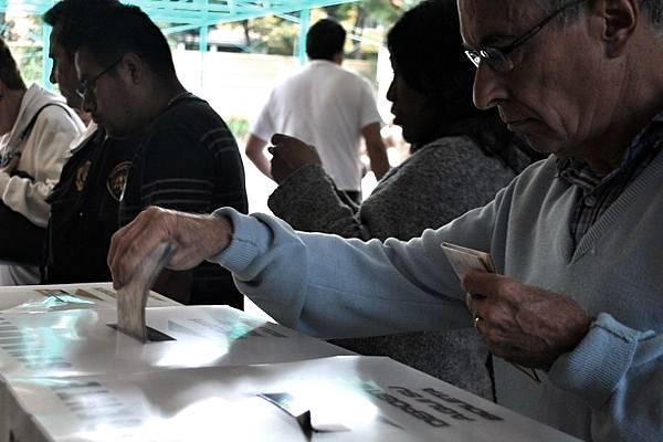 Morena propone voto obligatorio