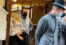 """Le gritan a Peña Nieto """"ratero"""" mientras sale de lujoso hotel en Italia"""