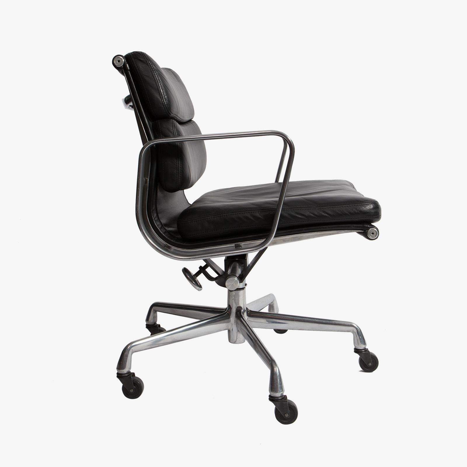 Eames Desk Chair Herman Miller  reGeneration