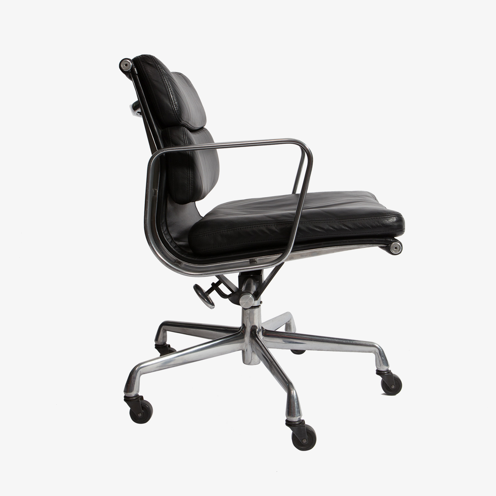 herman miller desk chairs kids game eames chair frasesdeconquista