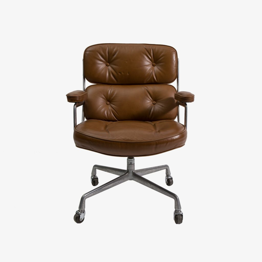 Time Life leather desk chair by Charles and Ray Eames mfg