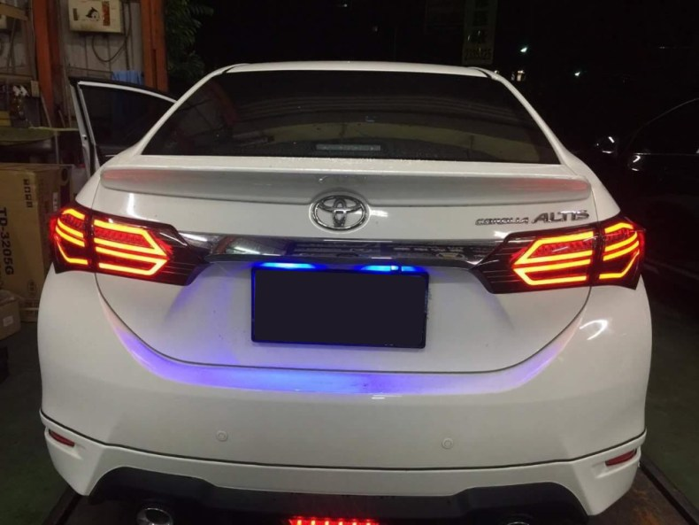 toyota corolla tail lights qatar